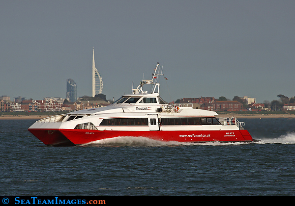 Red Jet 3 Passing Calshot