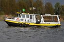 Operating a passenger ferry between Schelle en Wintham.